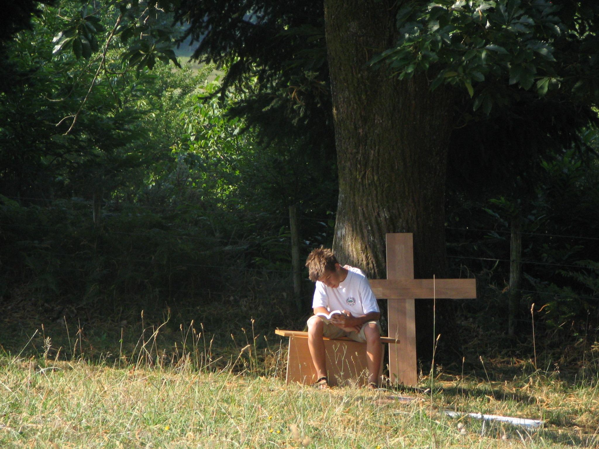 Le REPOS et les VACANCES vont de pair avec notre foi chrétienne... Diaporama_priant_2_